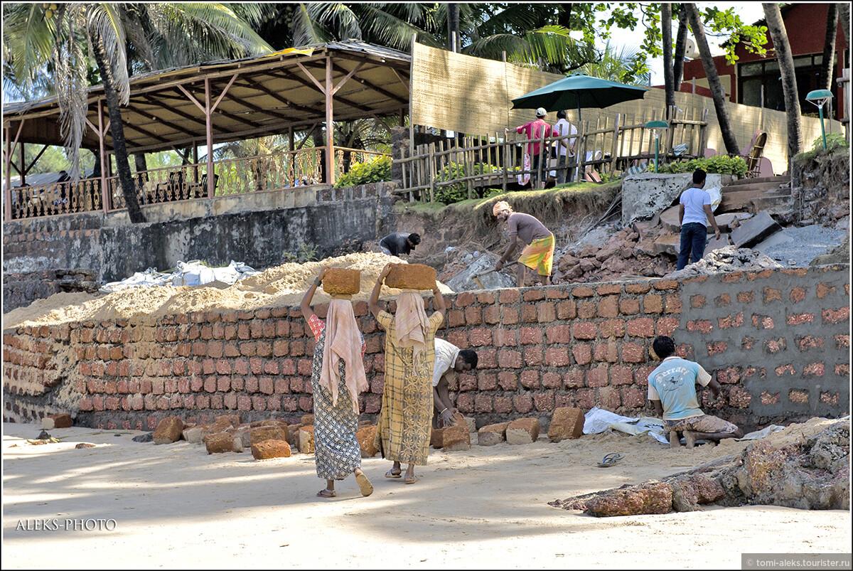 Даже интересно - в те далекие времена, когда португальцы строили форт, им тоже помогали индийцы?, Португальский форт Агуада (Гоа, Индия)