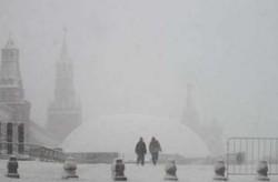 Из-за аномального снегопада в Москве возможны задержки рейсов