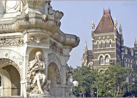На площади Мучеников (Индия)