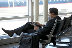 Пассажирам аэропорта Внуково начали бесплатно выдавать планшеты