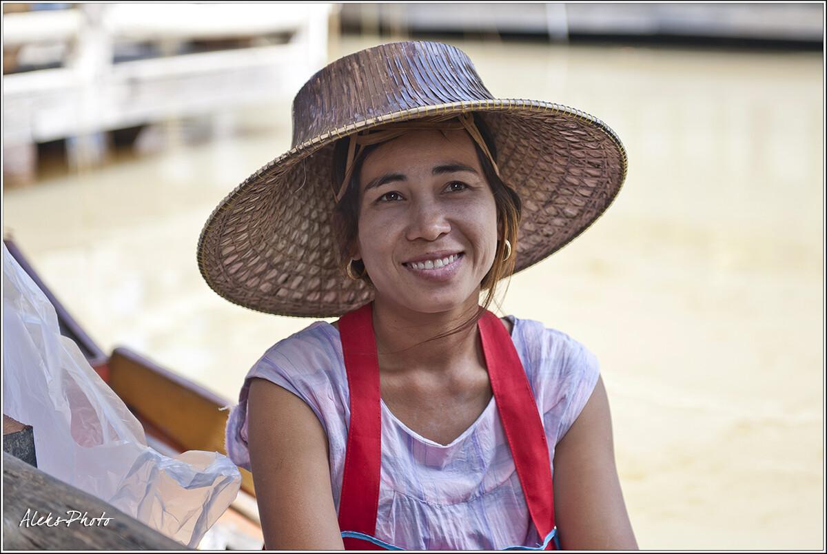 Простые тайские лица..., 7 Плавучий рынок и его обитатели (Таиланд)