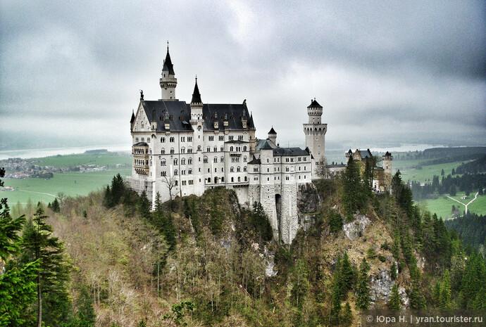 Вид на замок с обзорной площадки