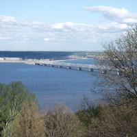 Мост через Волгу (построен еще в начале XX века)
