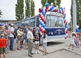 В Воронеже появился памятник троллейбусу 70-х