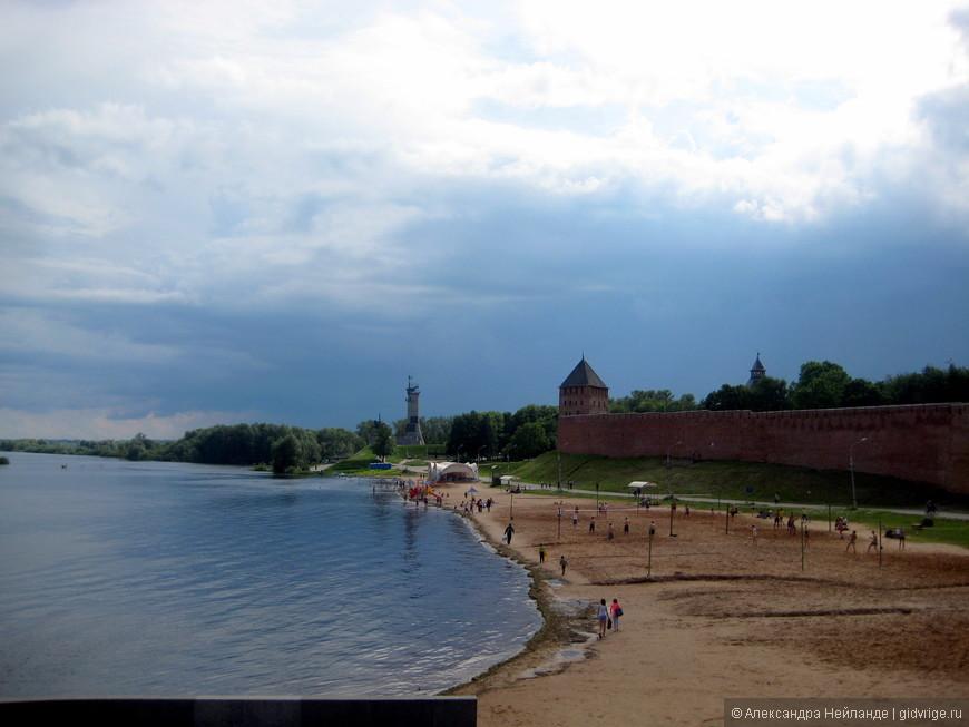 Пляж около Кремля - скоро грянет буря!