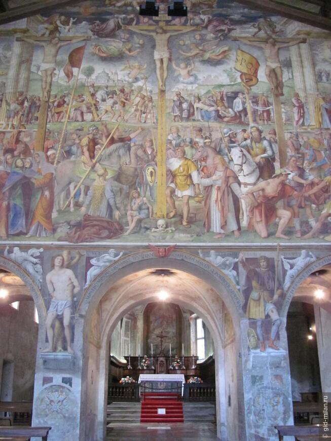 Францисканская церковь Santa Maria degli Angeli. Стоит сразу на набережной, и за эти великолепные фрески считается лучшим образцом эпохи Возрождения на всей территории Швейцарии. Но это и понятно, где как не в двух шагах от Италии...