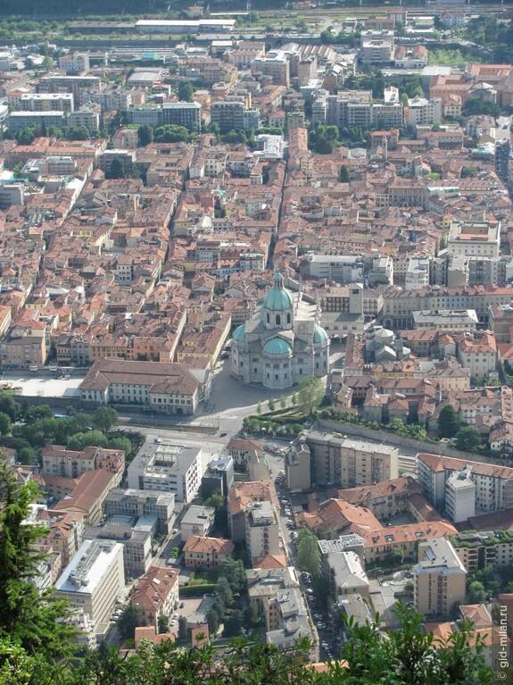Городской собор, который строили 500 лет. В  нём удивительно гармонично сочетаются готика, Возрождение и барокко.