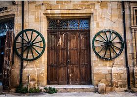 Кипр. Двери и немного окон.
