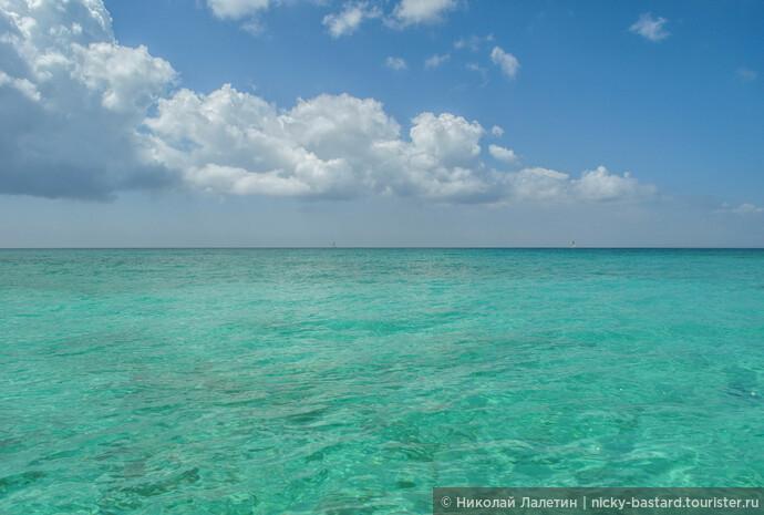 Карибское море - небывалая красота, море меняет цвет в зависимости от освещения чуть ли не каждые 10 минут: от темного индиго до светлейшей лазури, граничащей с изумрудным... словами не передать!!!