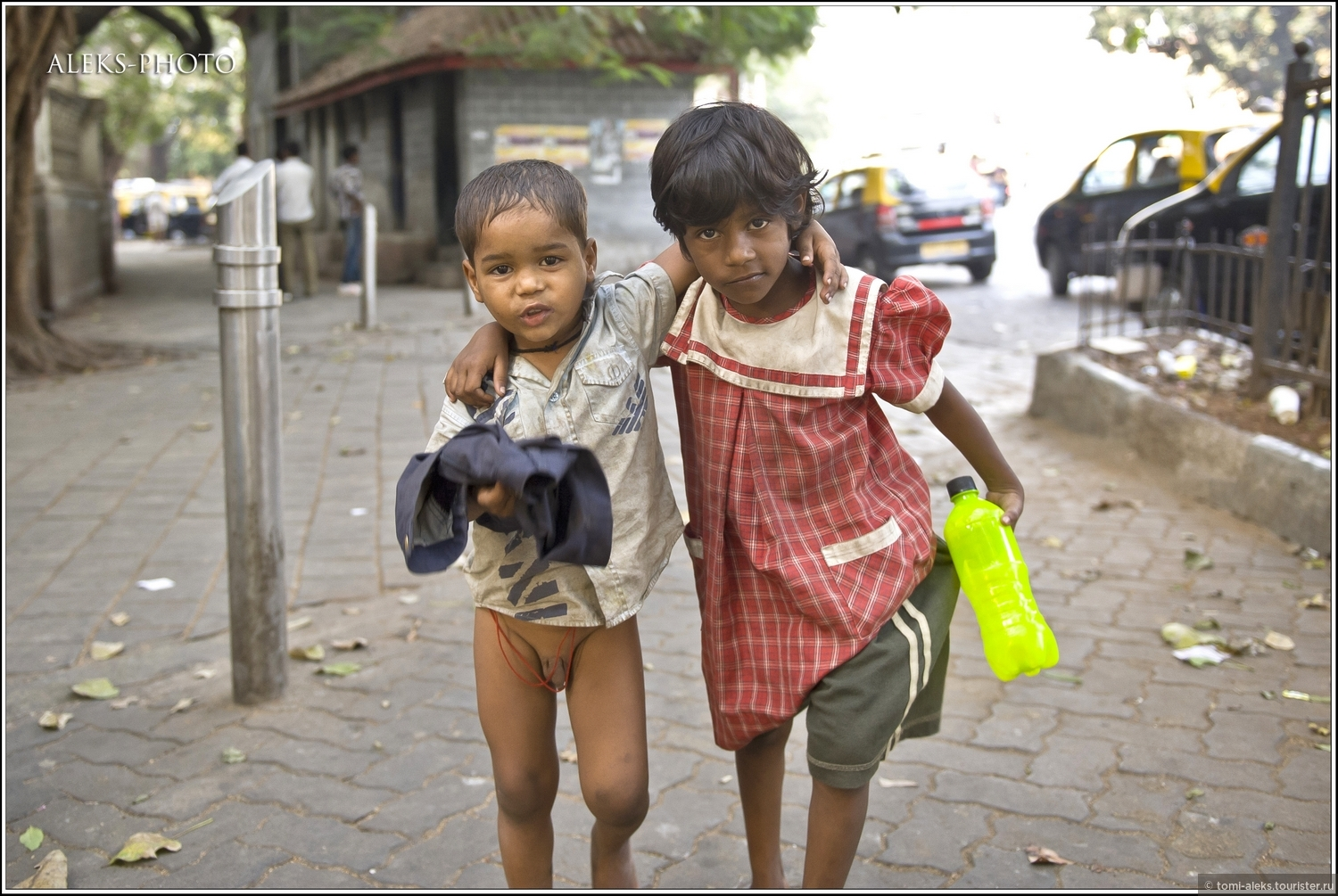 street children in dhaka city Street child is a term for a child experiencing homelessness and who primarily resides in the streets of a city (typically in a developing country) the exact definition of a street child is debatable due to the lack of precise categories.
