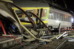 Под Парижем из-за неисправности стрелки потерпел крушение пассажирский поезд