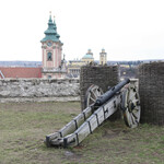 Пушки до сих пор ждут нападения турок)))