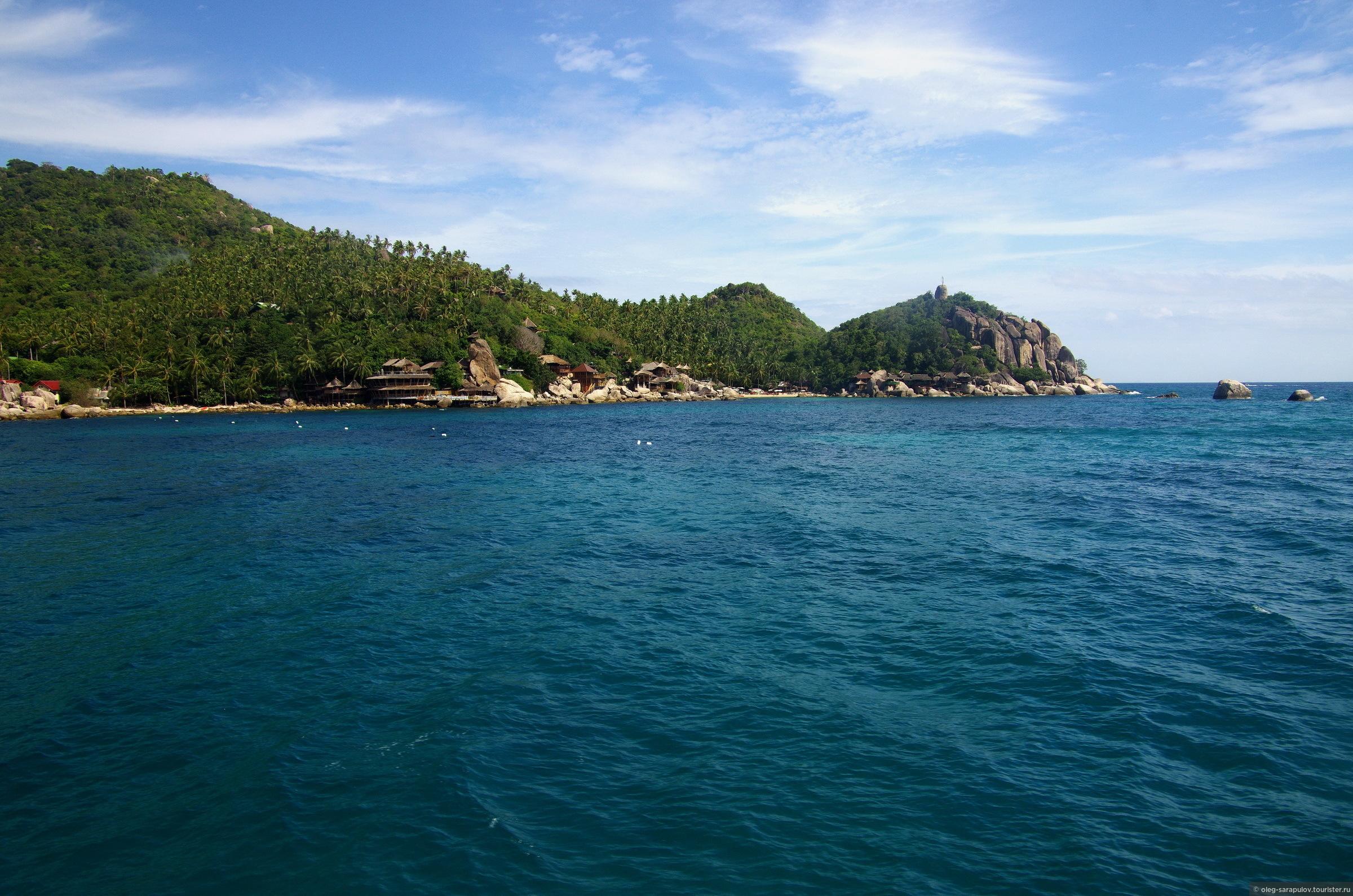 подходим к Koh Tao. большинство отелей на берегу - бунгала, расположенные на скалах., Koh Tao, Thailand