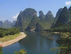 В горах Китая пропали 23 туриста