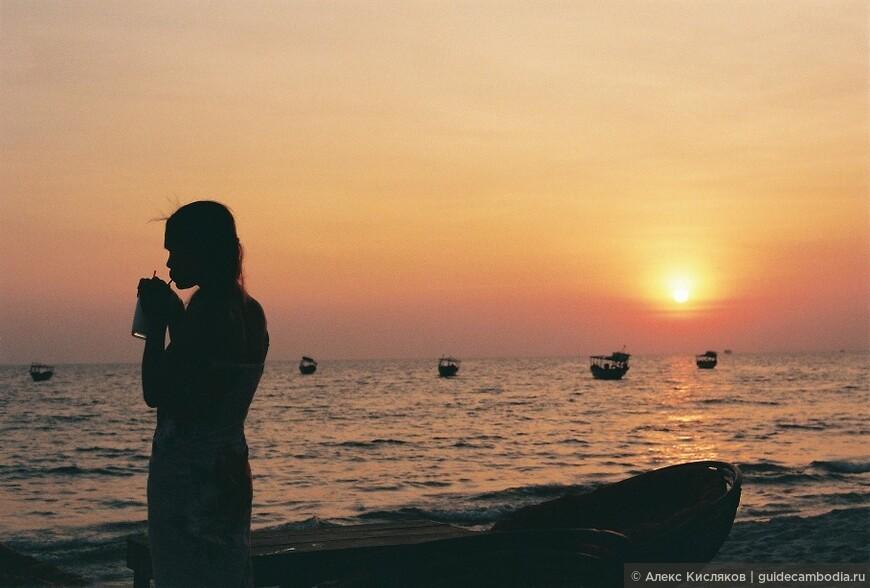 Сиануквиль. Закат на пляже Очутел.