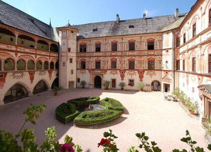 Замок Трацберг.jpg