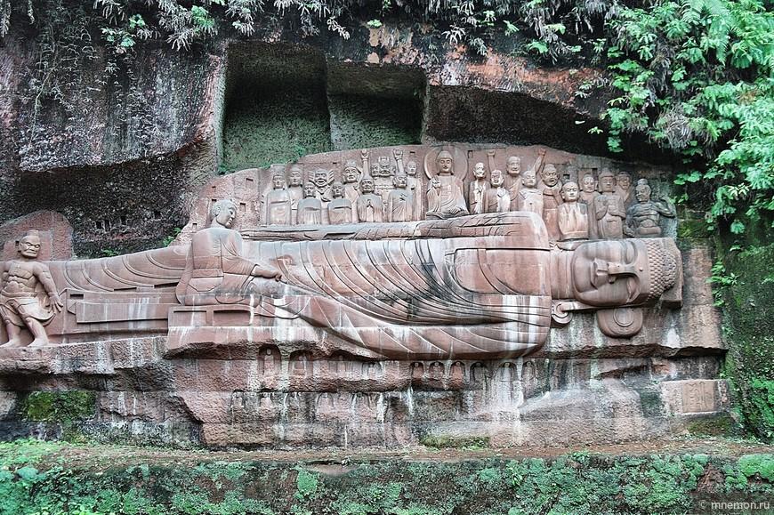 Будда лежит