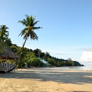 Утренний пляж Kae Bae