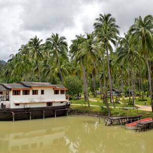 По территории Koh Chang Grand Lagoona