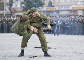 На брусчатке главной площади (Воронеж)