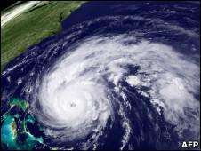 В США началась эвакуация в ожидании урагана «Эрл»
