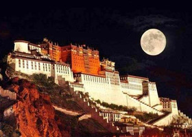 Луна в Тибете на праздник Середины Осени 2013
