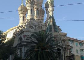 Православный храм является редкостью для Италии. Он был построен в Сан Ремо по инициативе русской общины. Этот храм является действующим, но в нем нет собственного священника, и службы проводятся нерегулярно.