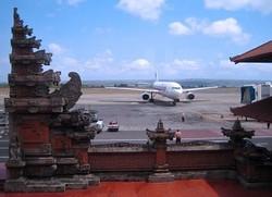 Аэропорт Бали закроют для коммерческих рейсов