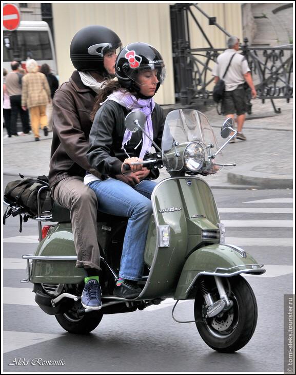 Любимое средство передвижения парижан...