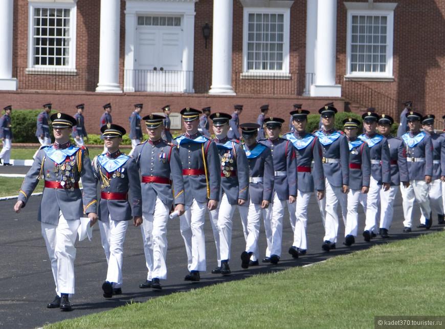 Отличники боевой и политической подготовки, удостоинные разными наградами.