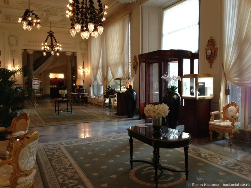 Цены в отеле от 500 евро за ночь в двухместном номере площадью 20 кв м.
