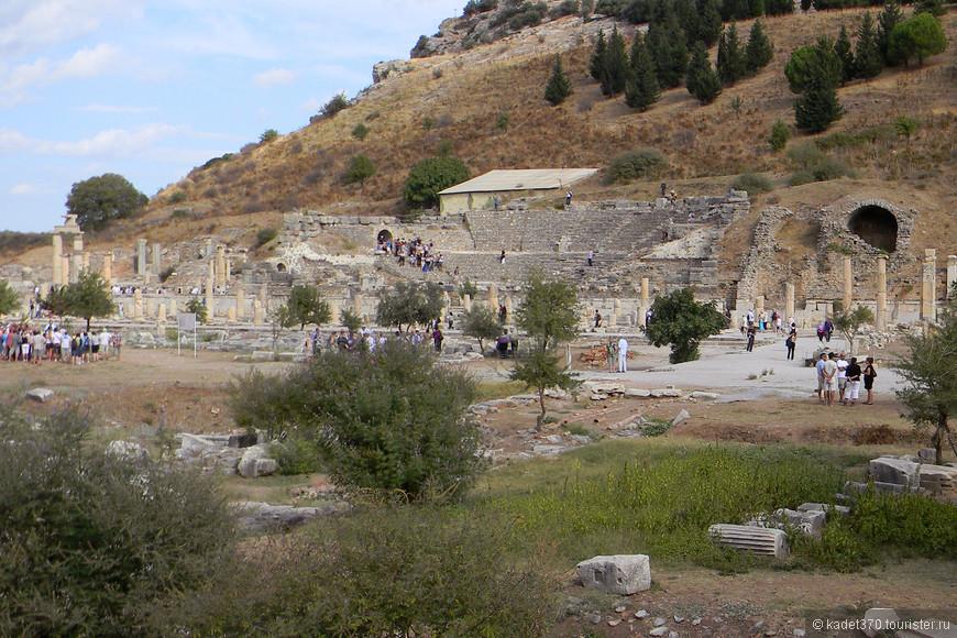 "Эфес, римский театр ""Одеон"""