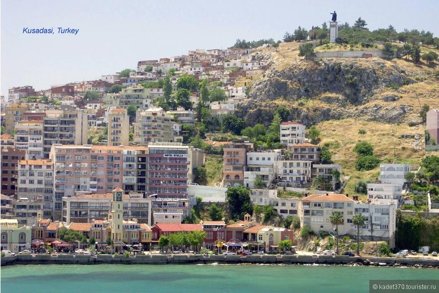 Памятники Ататюрку в каждом турецком городе