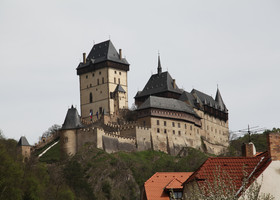 Карлштейн — самый знаменитый замок Чехии