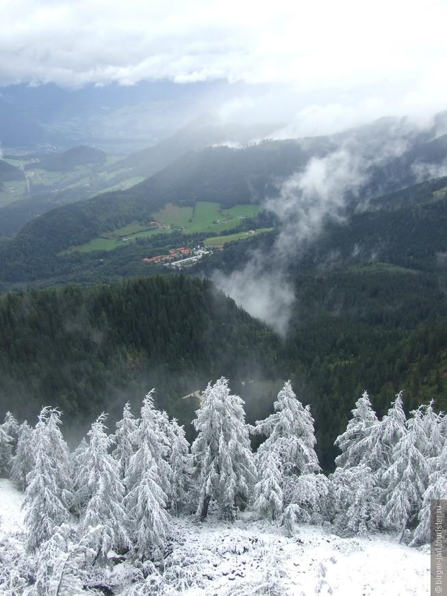 Вид на Берхтесгаден из Кельштайнхаус.