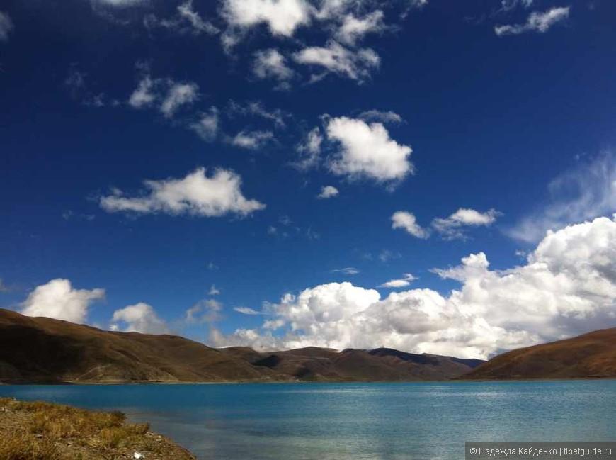Погода настолько переменчива осенью. Сегодня на озере лето, а завтра утром то, что на следующем кадре - зима! )))