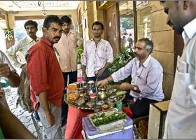Бомбейский спектакль Купи-Продай (Индия)