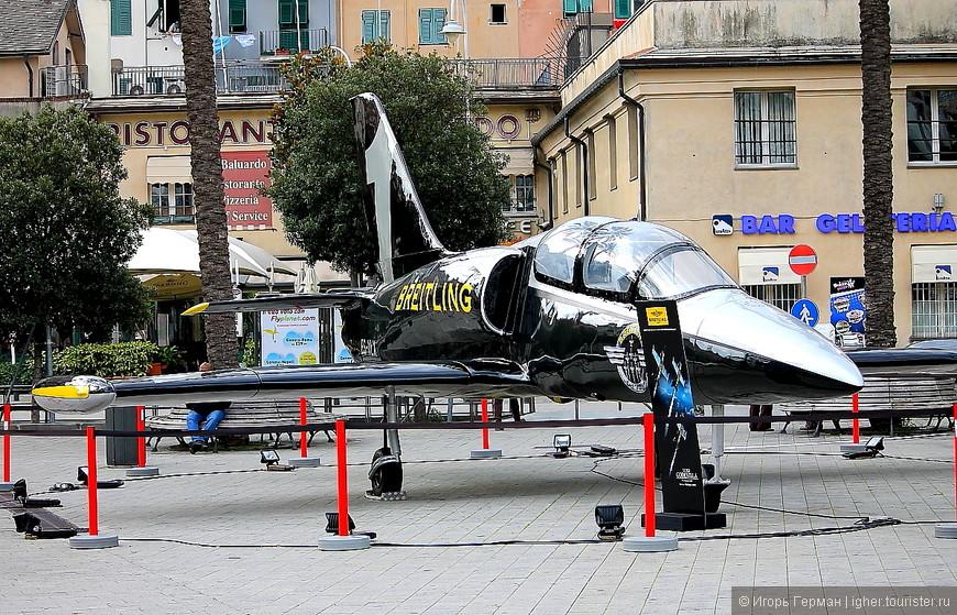 реклама частного самолета,Генуя