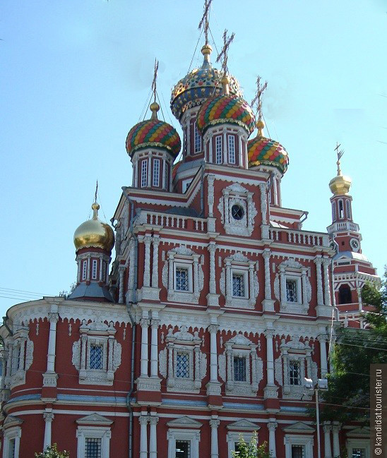 Много в Н. Новгороде церквей. Но этот собор Пресвятой Богородицы особенно понравился...