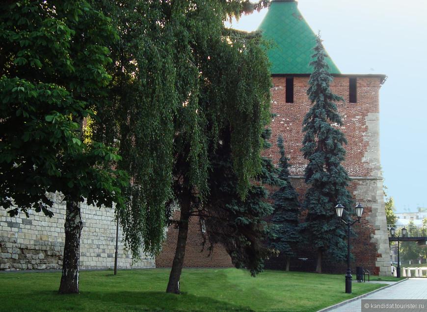 Башни нижегородского кремля.