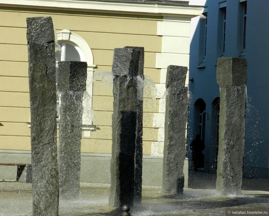 Необычный фонтан.
