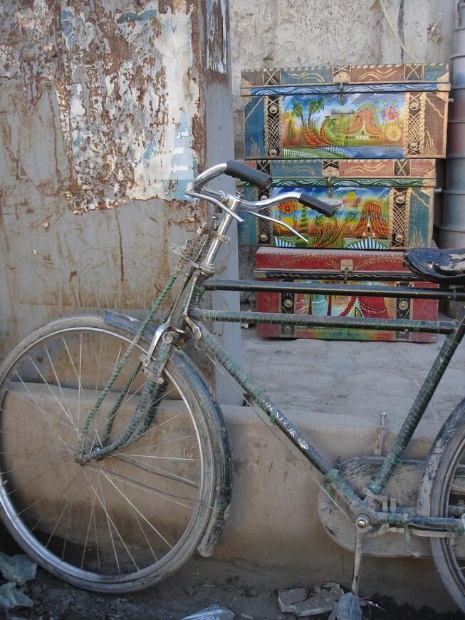 Велосипед - самое популярное средство передвижения в афганской столице. Уверен, Кабул может переплюнуть Амстердам в этом вопросе с большим отрывом.