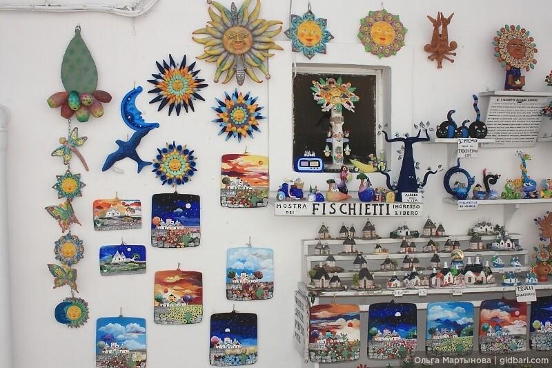 когда вы будете в Альберобелло, не забудьте купить что-нибудь из местной керамики