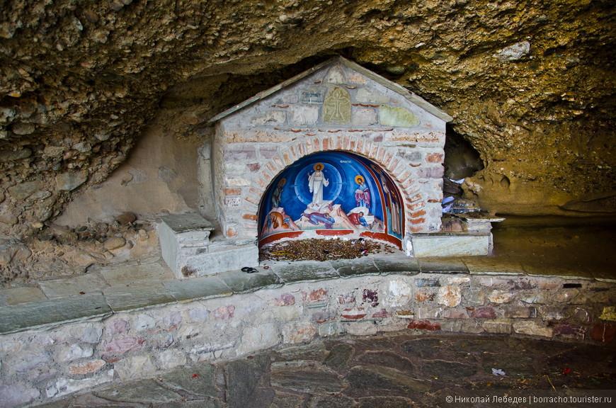 Это видимо если нужно срочно помолиться по пути из одного монастыря в другой