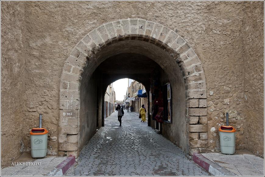 Второе свое рождение и новое имя город получил именно при арабах — благодаря Мулаю Абдеррахману, который принялся заново восстанавливать город...