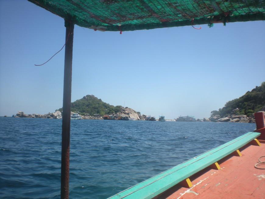 Дальше я уронила фотик в воду и фотосессия закончилась до следующей поездки