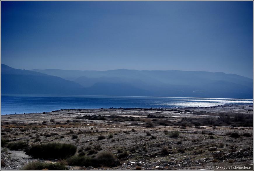 Теперь о втором море. Место странное и необычное... Удивительное творение природы...