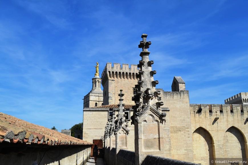На крыше Папского Дворца