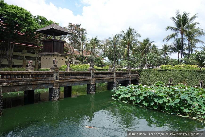 Отель выполнен в лучших традициях балийской цивилизации.
