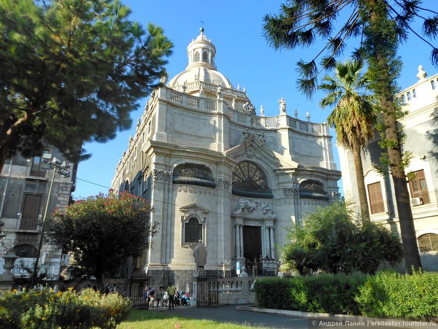 Барочная церковь Бадия-ди-Санта-Агата.